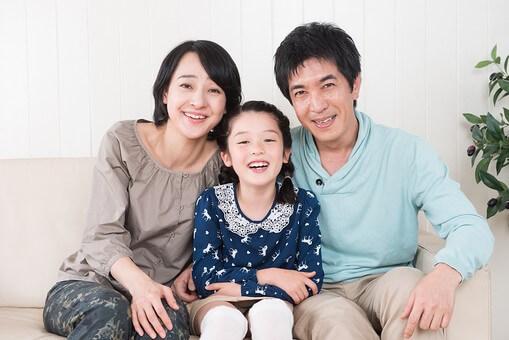 3人家族の写真