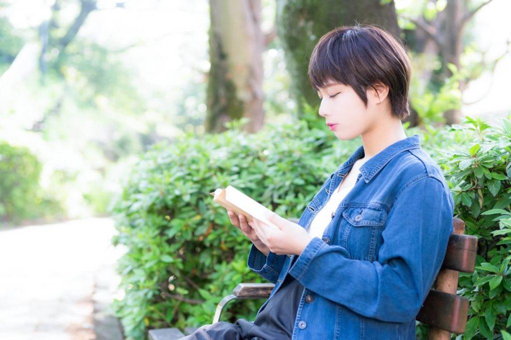 福岡で一人暮らしをする女性