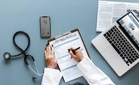 保険をイメージさせる病院の写真