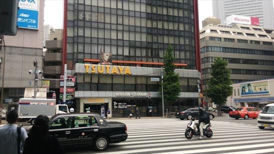 田町駅の駅前