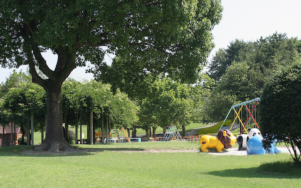 高級低層住宅街の公園