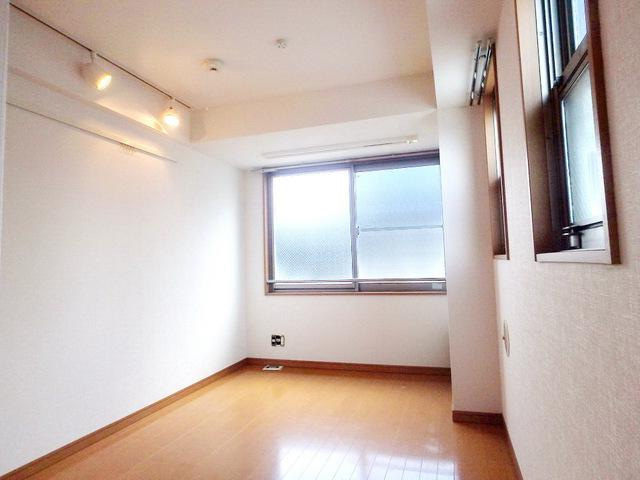 室内写真⑧【初期費用10万以下】新宿直通20分!オートロック付き築浅物件賃料59000円!